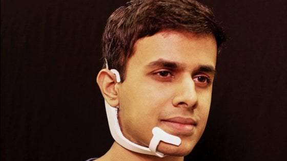 AlterEgo, l'assistente vocale che comprende anche i pensieri