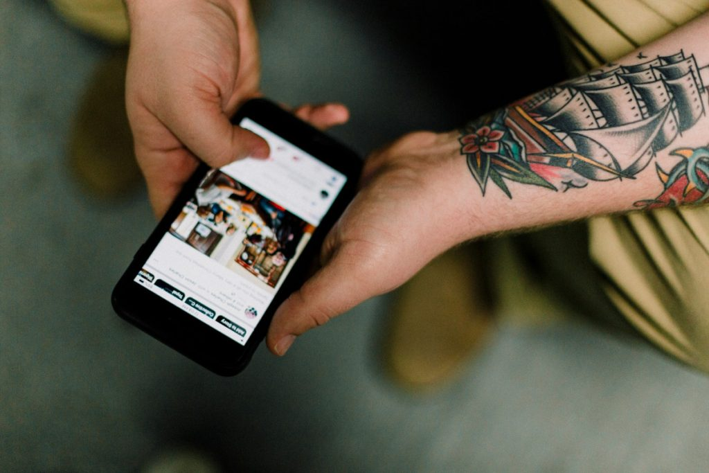 aggiornamenti su facebook shops e instagram chackout