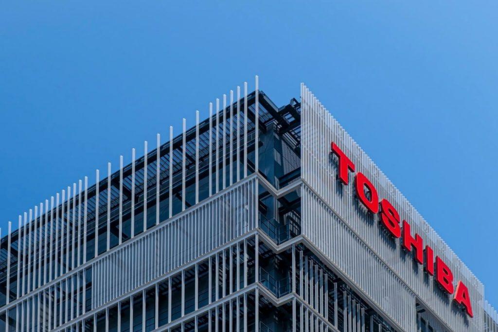 Toshiba dice addio al mondo dei computer